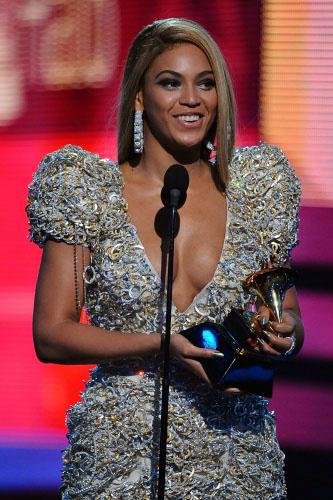 Beyoncé en los Grammy 2010
