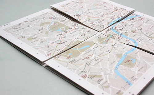 Map2: the zoomable map on paper