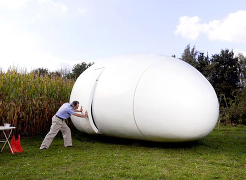 Blob VB3, un original concepto de casa-huevo de dmvA