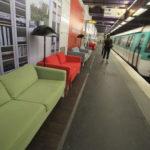 IKEA decora estaciones del metro de París en una campaña publicitaria