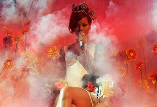 Rihanna en los EMA 2010