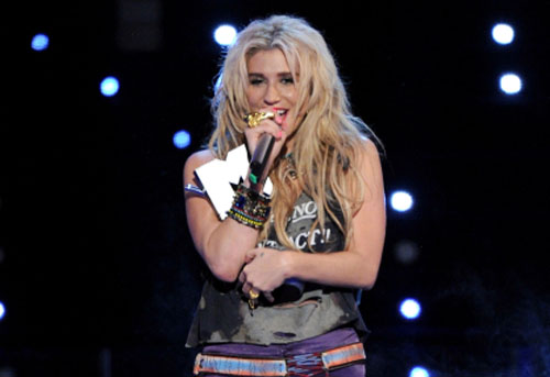 Ke$ha en los EMA 2010
