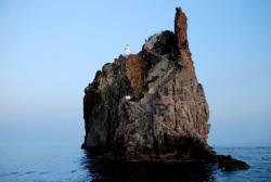 El Faro de Strombolicchio, una pequeña joya en las Islas Eolias de Sicilia