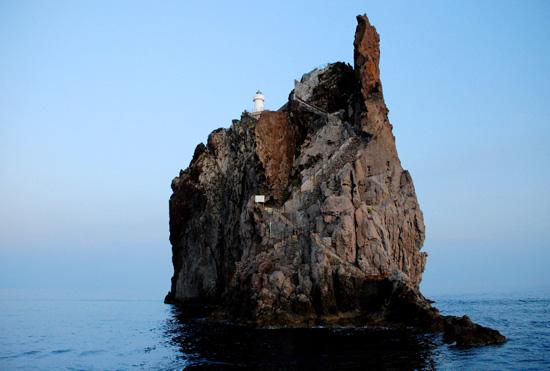 El Faro de Strombolicchio, imagen de Giovanni Caruso