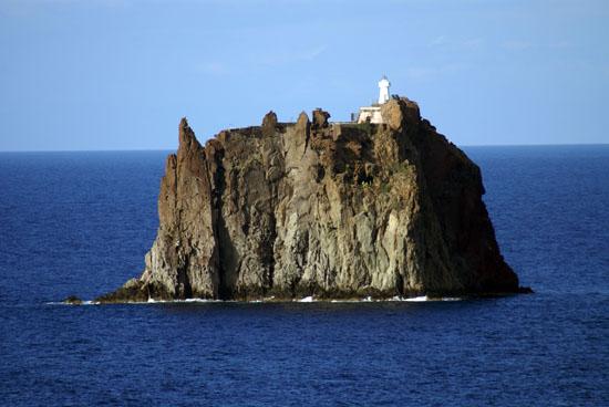 El Faro de Strombolicchio, imagen de giopuo