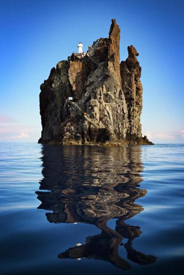 El Faro de Strombolicchio