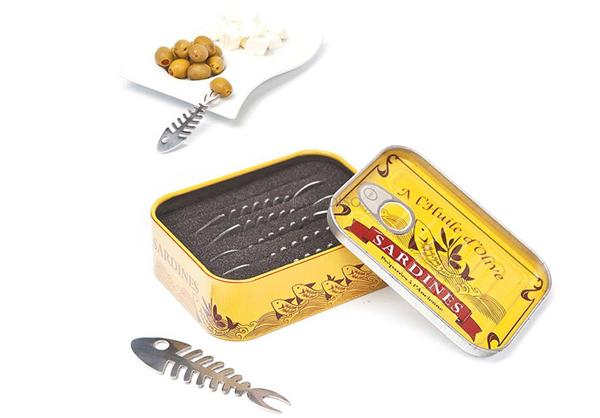 Pinchos aperitivos en lata de sardinas